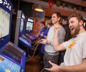 Консоли PlayStation 4 завоевывают московские пабы
