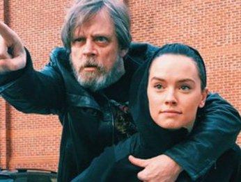 Марк Хэмилл и Дэйзи Ридли в восторге от названия The Last Jedi