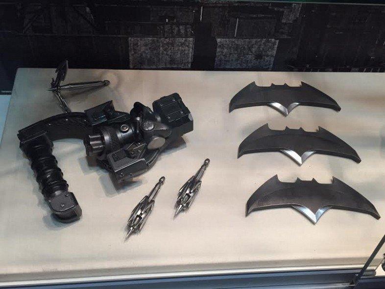 Костюмы, гаджеты и фигурки Бэтмена на Comic-Con 2015 - Изображение 8