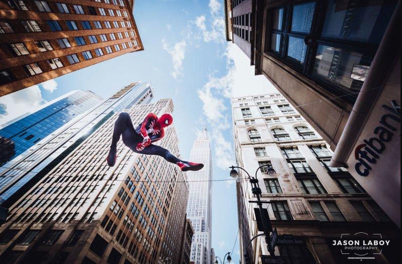 Косплей Человека-паука в его естественной среде обитания - Изображение 2