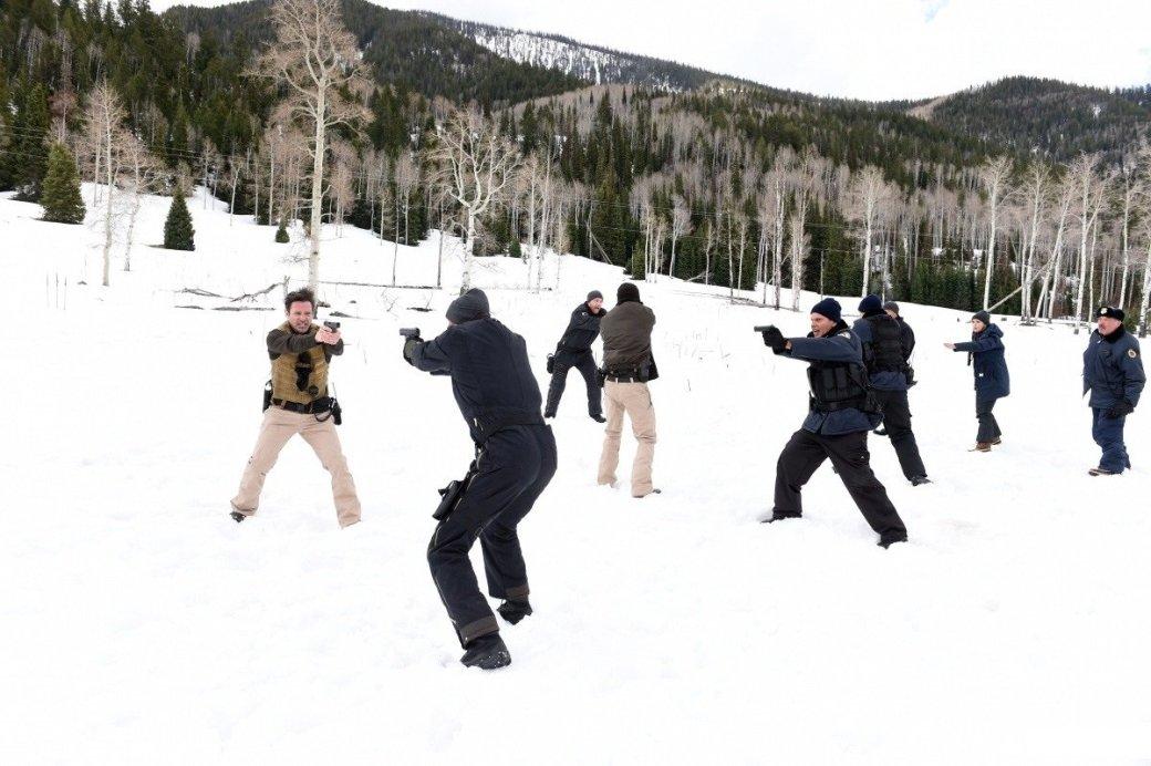 Убийца — снег. Рецензия на «Ветреную Реку» с Джереми Реннером. - Изображение 6