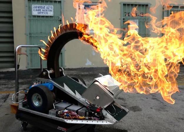 Роботы бьются насмерть в телешоу Battlebots - Изображение 1