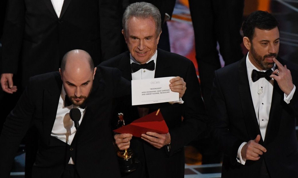 Скандал на«Оскар-2017» разошелся поСети