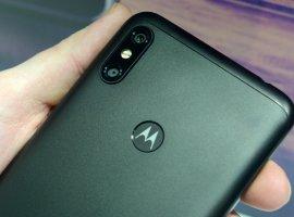 Опубликованы фото смартфона Motorola P40: потенциальный конкурент Samsung Galaxy A8s иHonor View20