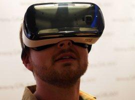 Samsung показала прототип очков виртуальной реальности Gear VR