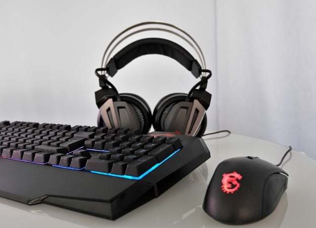 Полный набор: обзор комплекта клавиатура + мышь MSI Vigor GK40 игарнитуры GH60