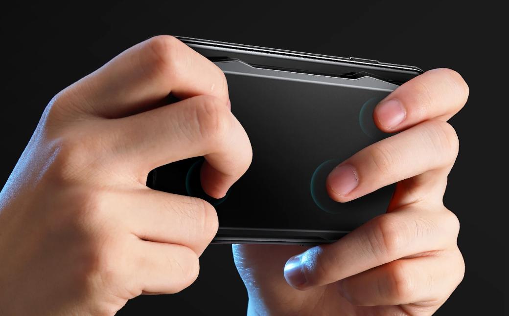 Геймпад Muja Smart Touchpad крепится к задней крышке смартфона и оснащен сенсорными клавишами | Канобу - Изображение 1